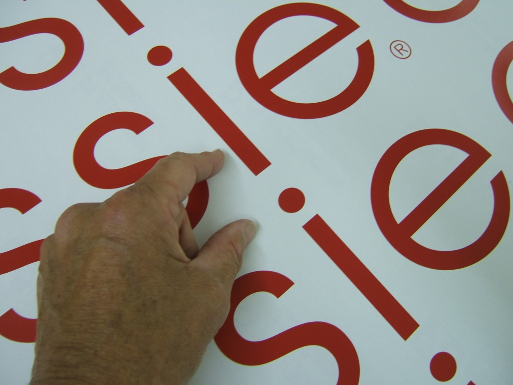 The benefits and uses of cut vinyl stickers